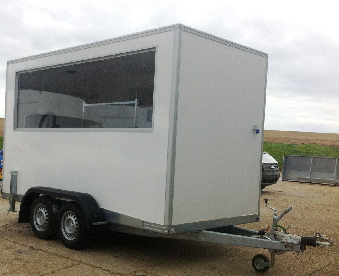 Pet Grooming Trailers Hampshire
